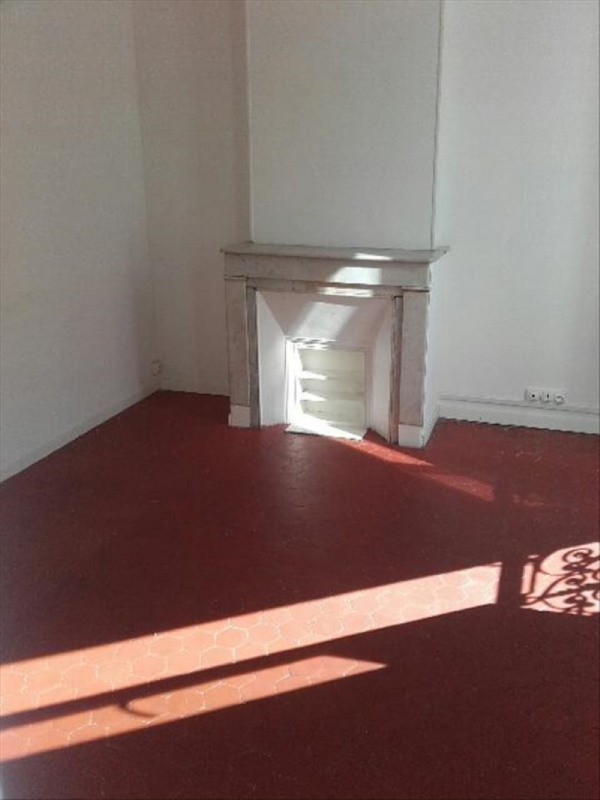 Location appartement Marseille 6ème 476€ CC - Photo 1