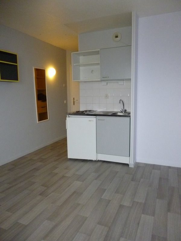 Location appartement Caen 354€ CC - Photo 2