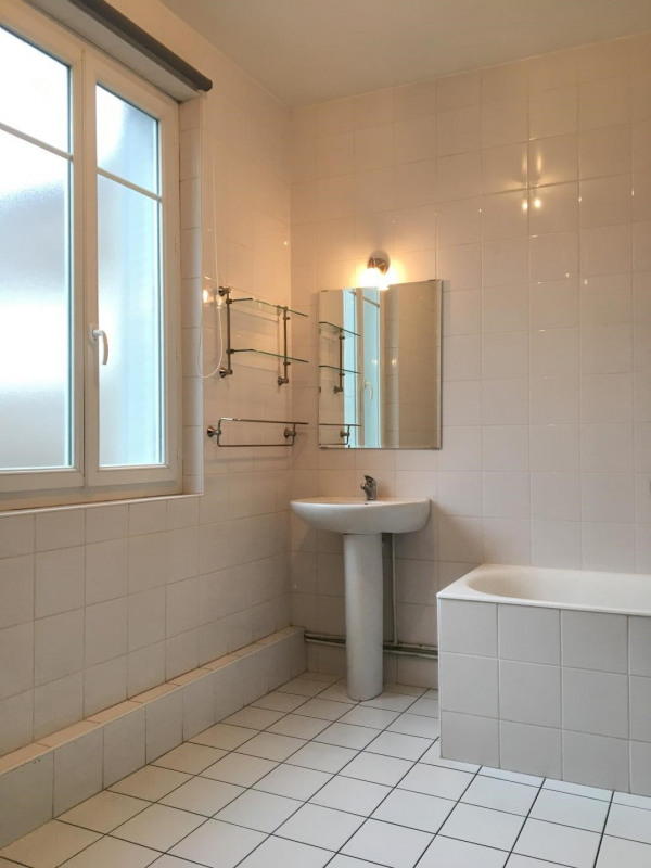 Location appartement Beauchamp 917€ CC - Photo 7