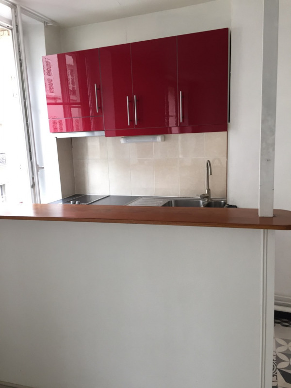 Location appartement Paris 9ème 800€ CC - Photo 3