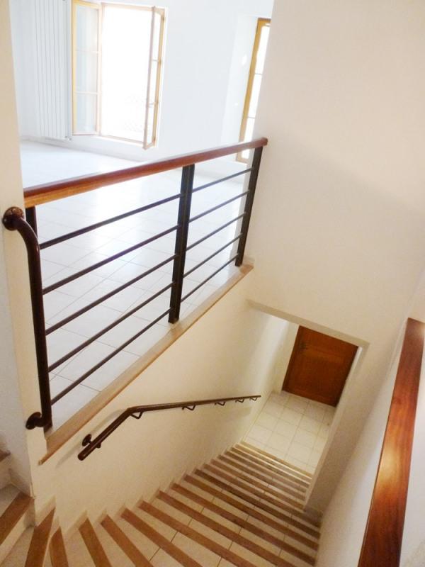 Rental apartment Avignon 747€ CC - Picture 3
