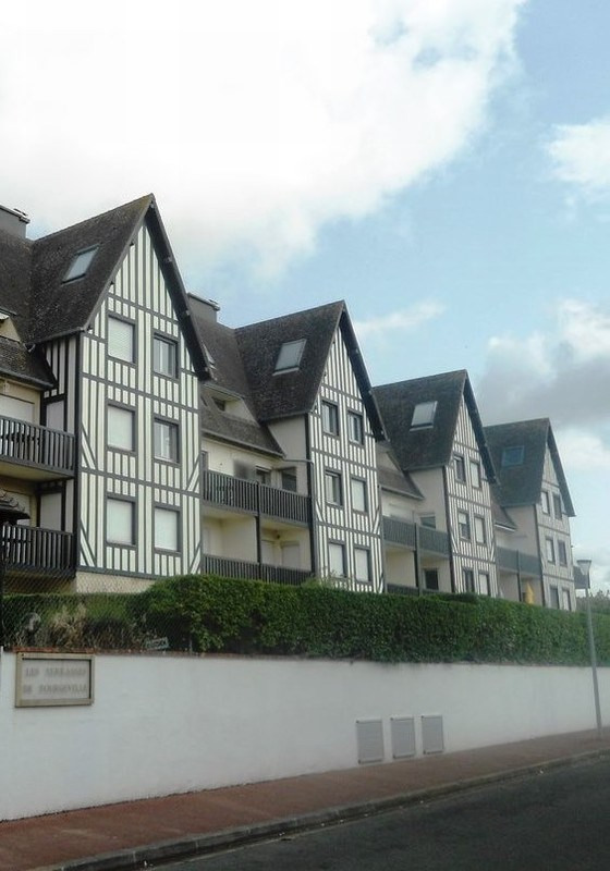Revenda apartamento Tourgeville 360400€ - Fotografia 2
