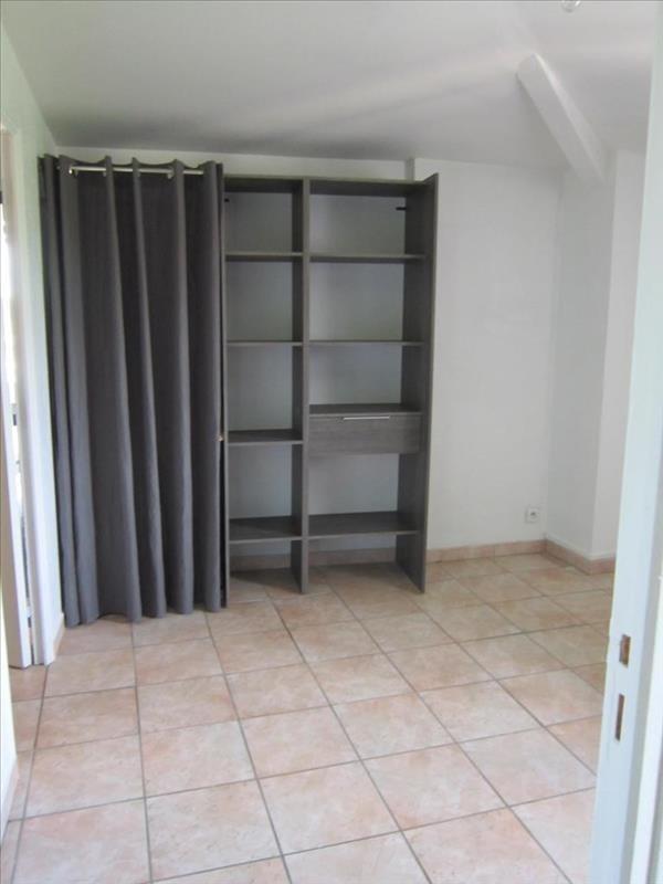 Location appartement Lambesc 448€ CC - Photo 4