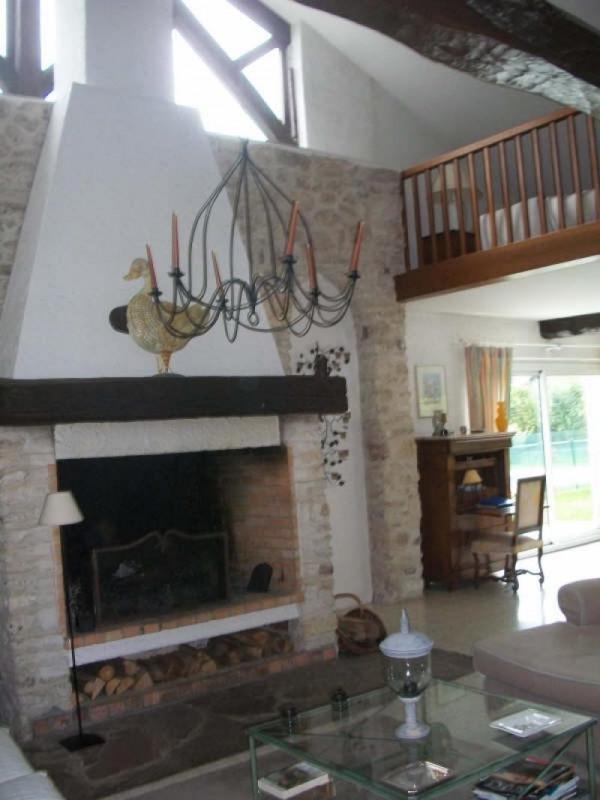 Sale house / villa Breval 438000€ - Picture 4