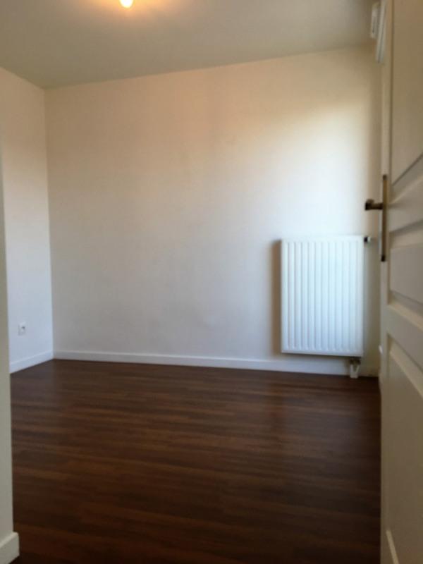 Location appartement Franconville 918€ CC - Photo 8