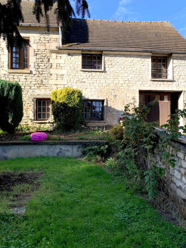 Sale house / villa Neuilly en thelle 330000€ - Picture 1