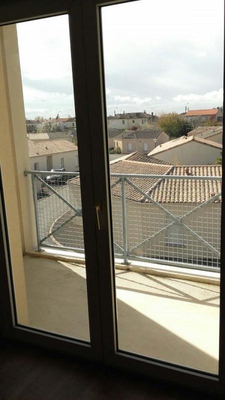 Location appartement Niort 466€ CC - Photo 3