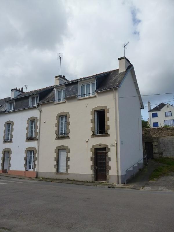 Sale house / villa Douarnenez 136500€ - Picture 1