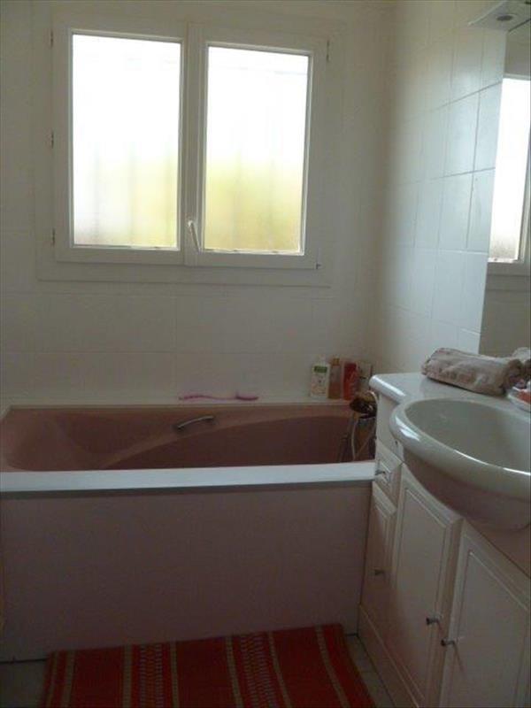 Vente maison / villa Le chateau d oleron 299440€ - Photo 13
