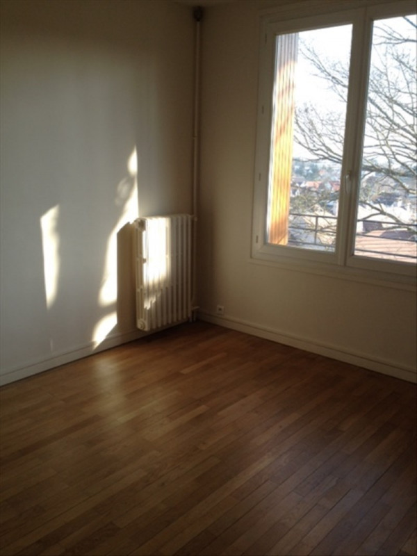 Rental apartment Marly le roi 930€ CC - Picture 6