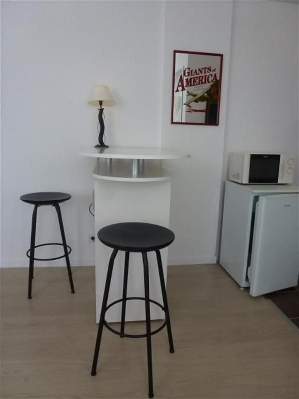 Rental apartment Fontainebleau 921€ CC - Picture 4
