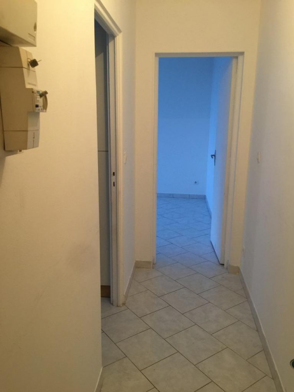Rental apartment Neuilly en thelle 457€ CC - Picture 4