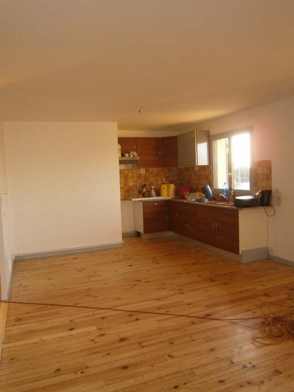 Rental house / villa Cubnezais 717€ CC - Picture 2