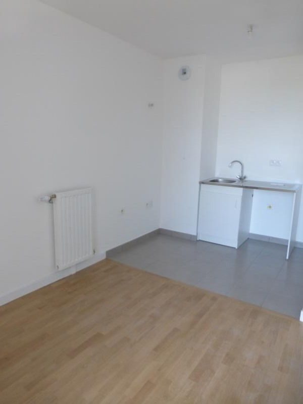 Rental apartment Le raincy 860€ CC - Picture 5