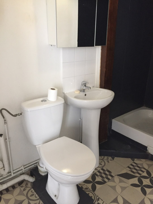 Location appartement Paris 9ème 800€ CC - Photo 4