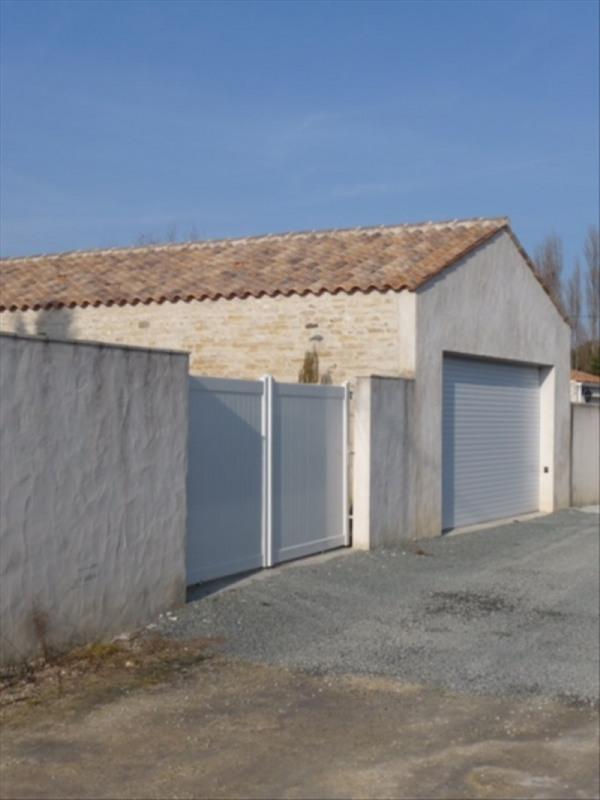 Sale house / villa Le chateau d'oleron 548550€ - Picture 8