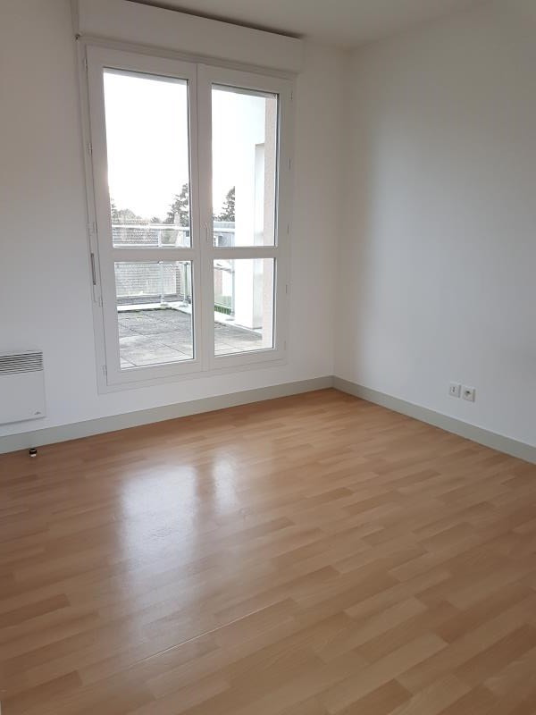 Location appartement Aubigny sur nere 541€ CC - Photo 4