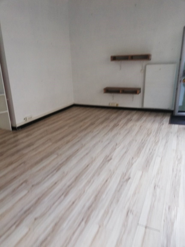Location local commercial Tarbes 540€ CC - Photo 3