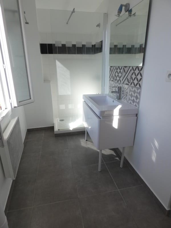 Rental apartment Montelimar 390€ CC - Picture 3