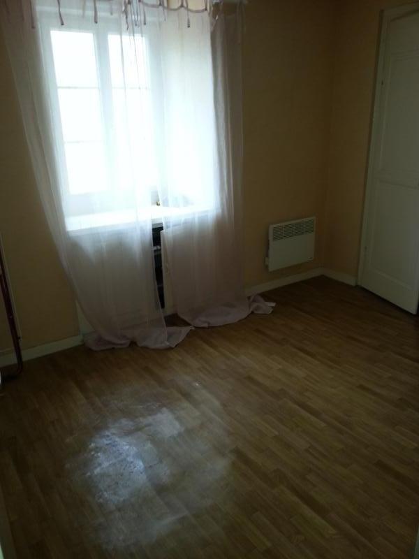 Rental apartment Laval 425€ CC - Picture 5