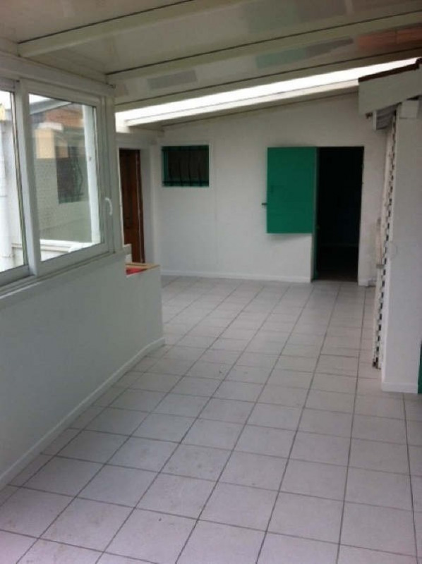 Location maison / villa Ares 763€ CC - Photo 2