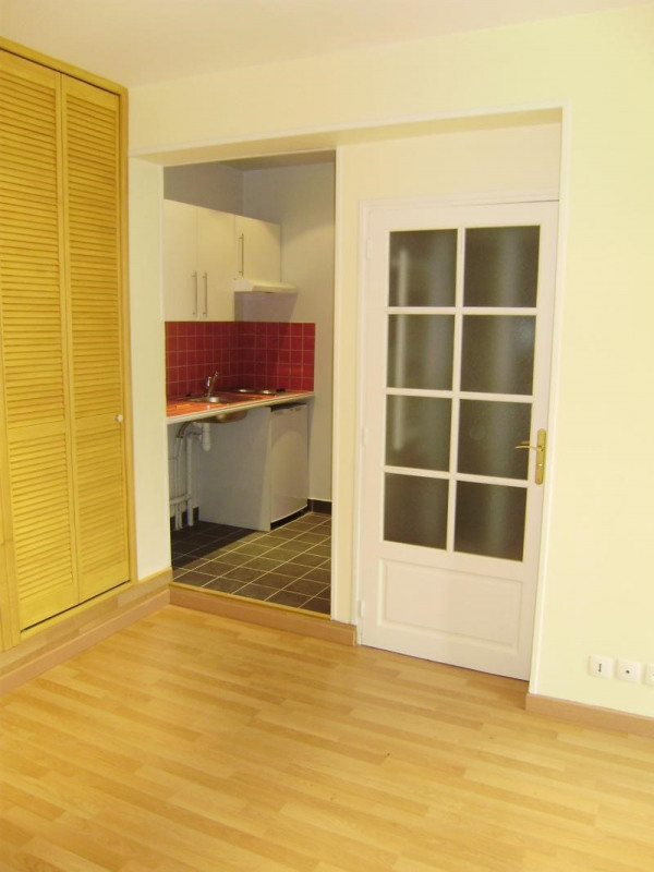 Rental apartment Colombes 595€ CC - Picture 2