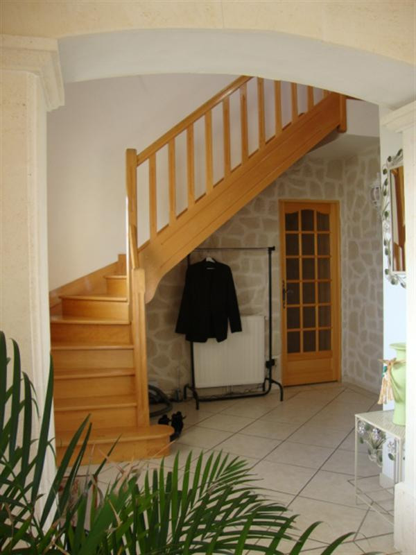 Sale house / villa Loulay 254 400€ - Picture 8