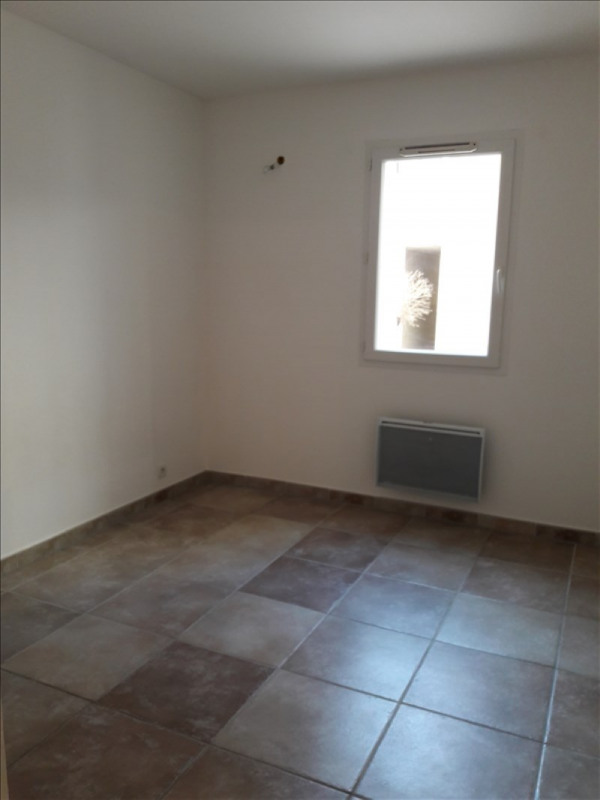 Rental apartment St laurent d'aigouze 526€ CC - Picture 4