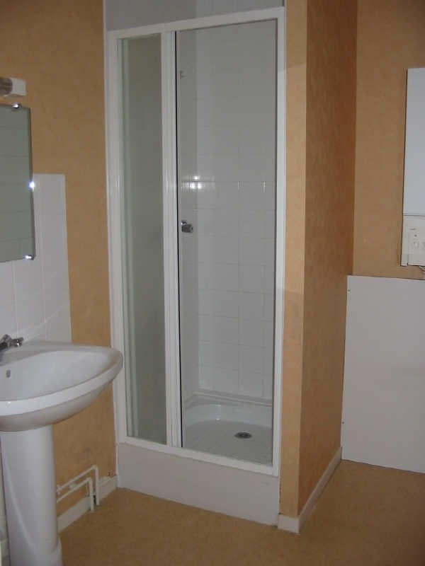 Location appartement Chatellerault 337€ CC - Photo 2