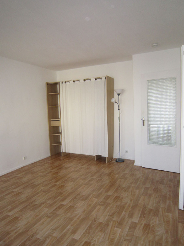 Rental apartment Saint-denis 580€ CC - Picture 5