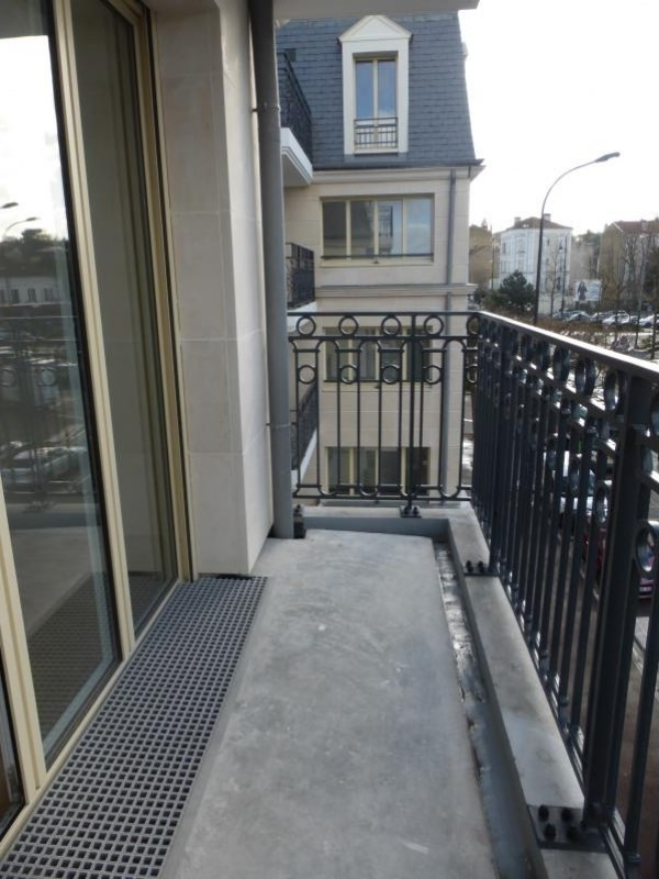 Rental apartment Le raincy 850€ CC - Picture 2