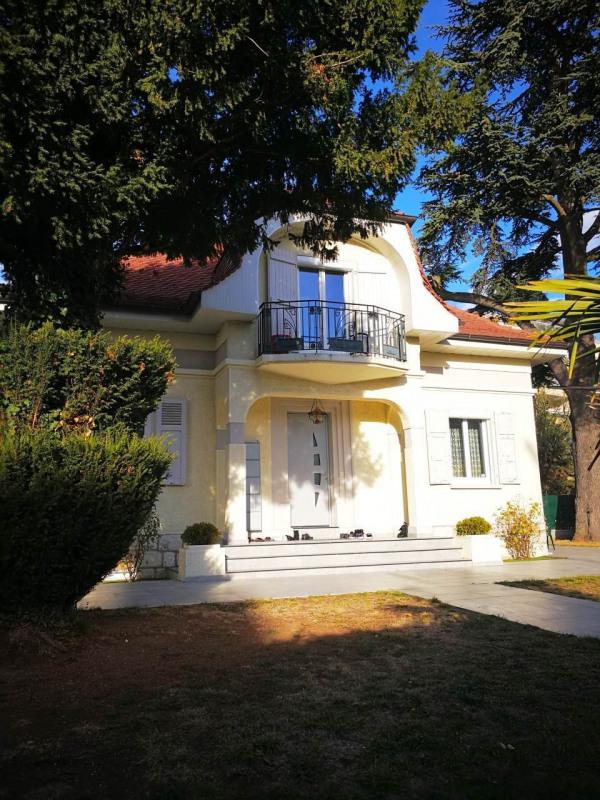 Deluxe sale house / villa Gaillard 728000€ - Picture 2