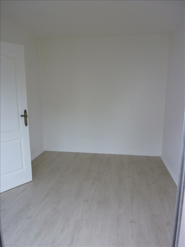Rental apartment Poissy 741€ CC - Picture 3