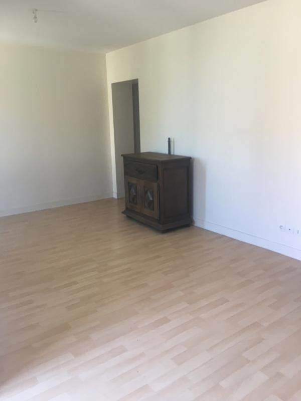 Location appartement Cavignac 430€ CC - Photo 3