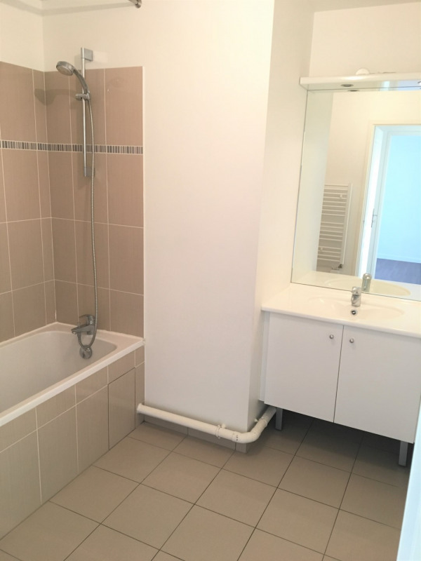 Location appartement Franconville 968€ CC - Photo 8