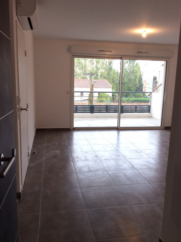 Location appartement Fréjus 770€ CC - Photo 2