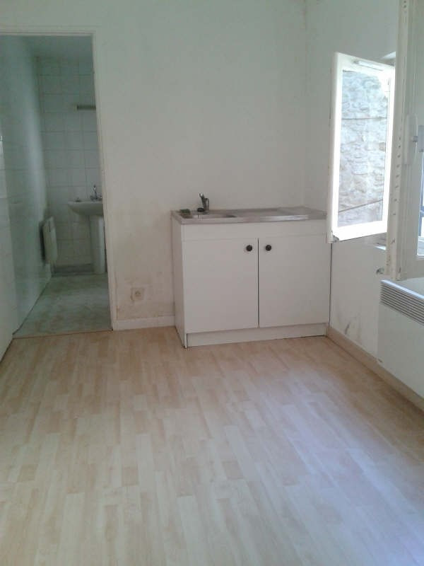 Rental apartment Nimes 390€ CC - Picture 3