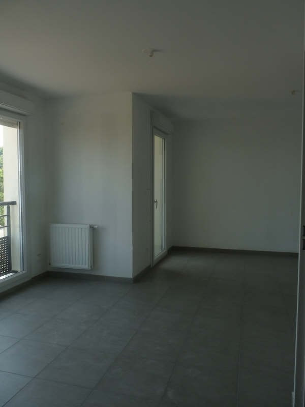 Location appartement Meyzieu 554€ CC - Photo 2