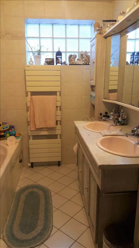 Sale house / villa Villeneuve le roi 314000€ - Picture 4