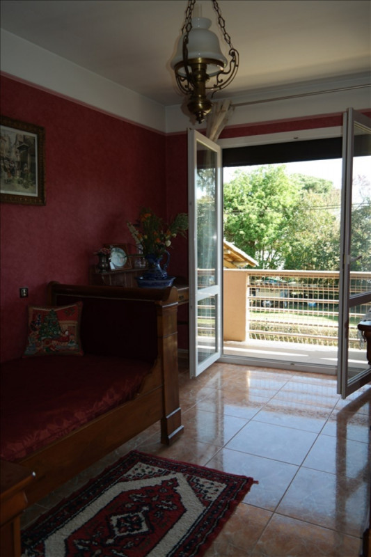 Sale house / villa Grisolles 296800€ - Picture 9