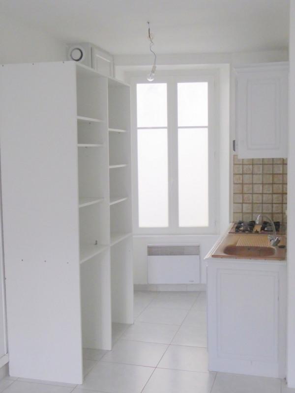 Sale house / villa Burie 112140€ - Picture 6