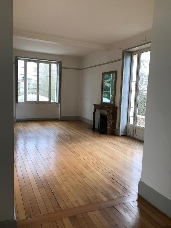 Location appartement Verrieres le buisson 2400€ CC - Photo 2