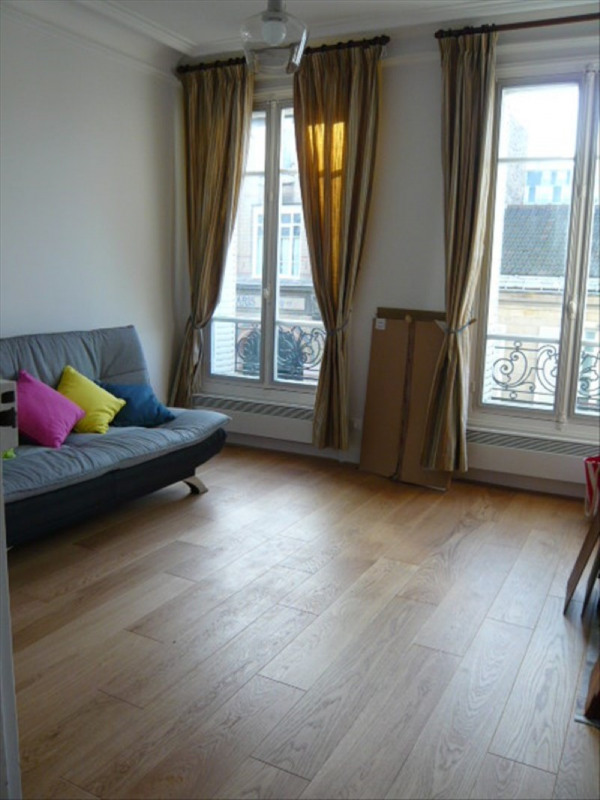 Location appartement Paris 17ème 1 059€ CC - Photo 1