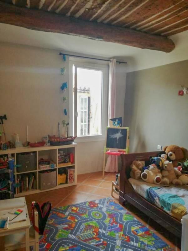 Sale house / villa Trets 215000€ - Picture 6