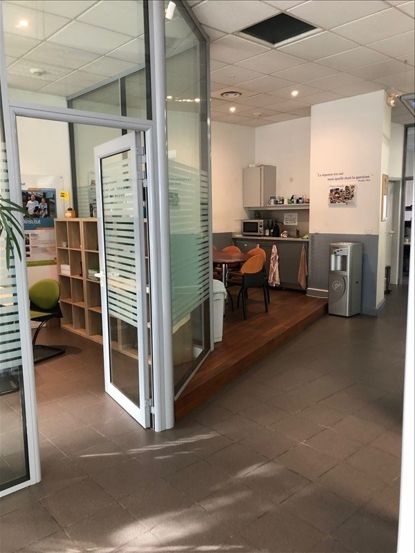 Location local commercial Strasbourg 1 690€ HT/HC - Photo 6