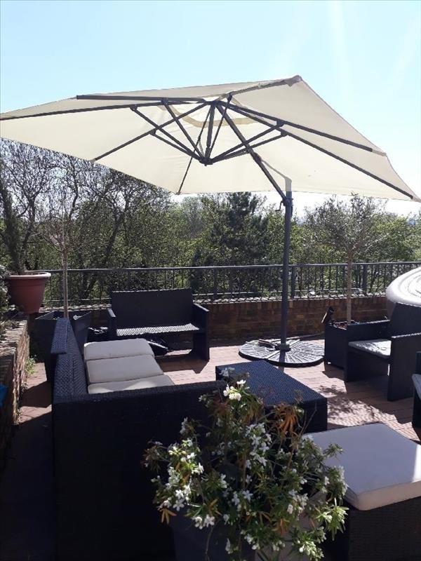 Deluxe sale house / villa Le mesnil le roi 1250000€ - Picture 1