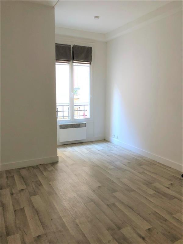 Rental apartment Paris 18ème 750€ CC - Picture 3