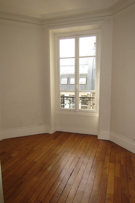 Location appartement Paris 9ème 5 545€ CC - Photo 17