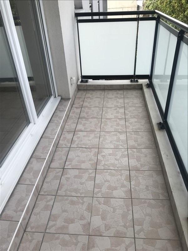 Verhuren  appartement St denis 834€ CC - Foto 6