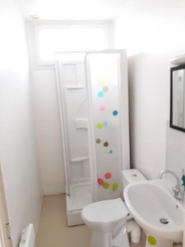 Location appartement Conde sur vire 345€ CC - Photo 4